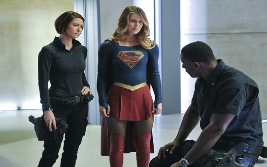 Review | Supergirl - 1x11: Strange Visitor From Another Planet