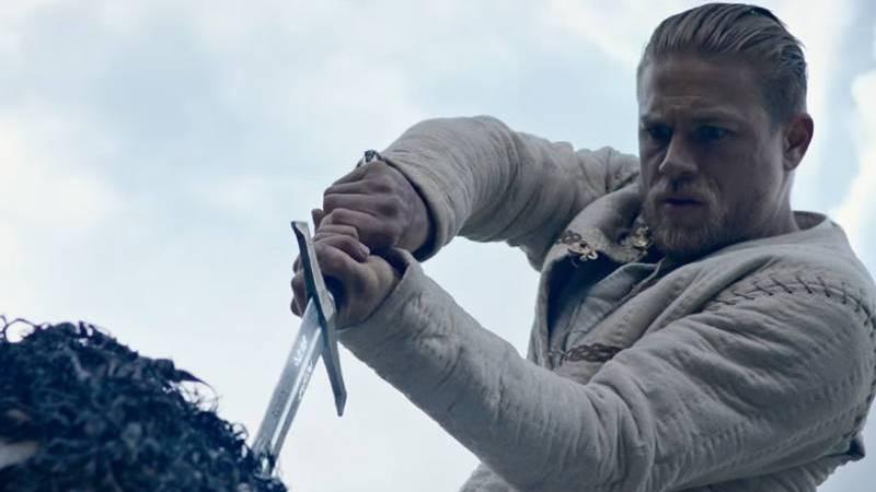 Crítica | Rei Arthur: A Lenda da Espada