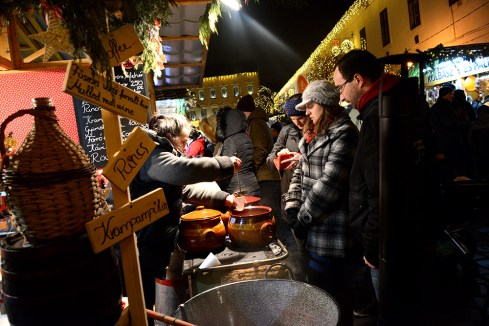 Szentlélek square market