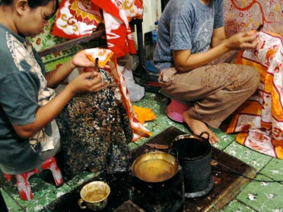 Making batik in Yogyakarta
