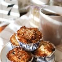 Korzenne muffiny grahamowe z jabłkami