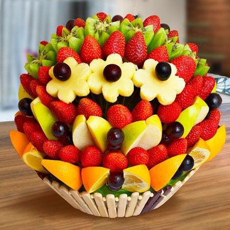 Κέικ φρούτων στα σουβλάκια
