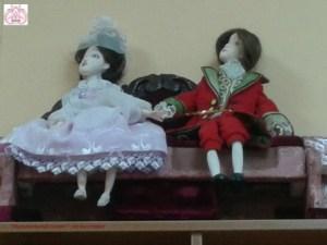 Кукольный диван.