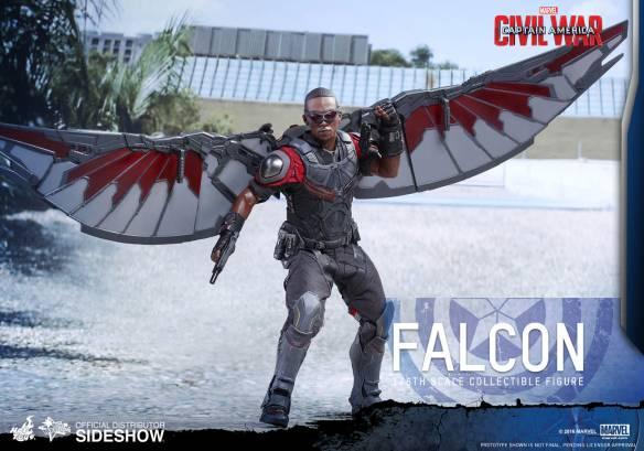 marvel-captain-america-civil-war-falcon-sixth-scale-hot-toys-902689-02