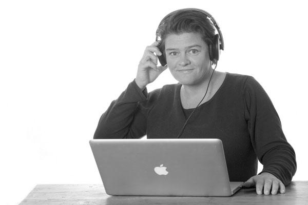 Simone Snaterse podcasting Om vrolijk van te worden