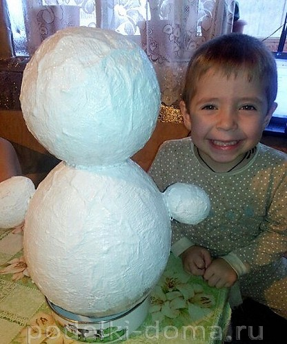 มนุษย์หิมะ - งานฝีมือใน Papier Masha