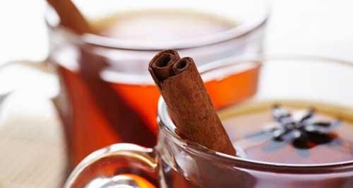 Chá de Casca de Maçã com Canela