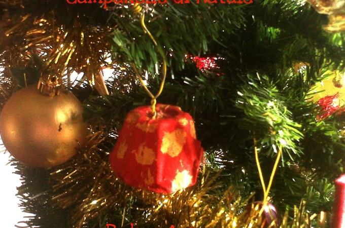 Decorazione di Natale: Campanelle fai-da-te con i cartoni delle uova