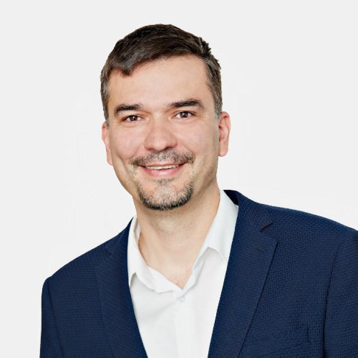122 26HOUSE Rastislav Brenčič
