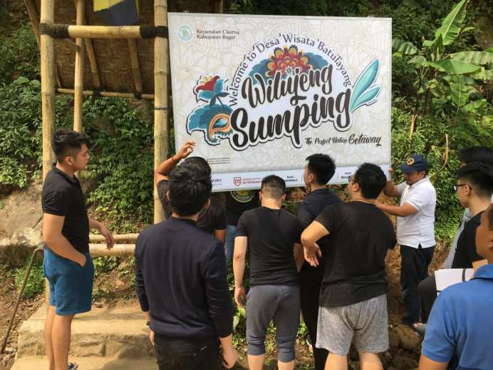 Mendorong Perkembangan Desa Wisata bersama Program Studi Kewirausahaan Podomoro University