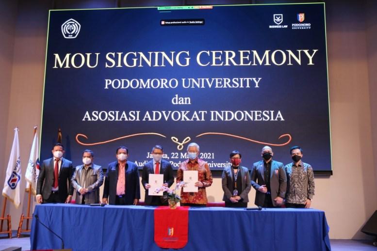 Penandatanganan MOU Podomoro University dengan Asosiasi Advokat Indonesia