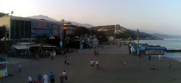 Пляжи Крыма пустуют без туристов по всему полуострову ...