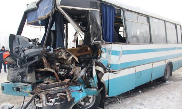 Страшная авария на Житомирской трассе: 15 человек попали в ...