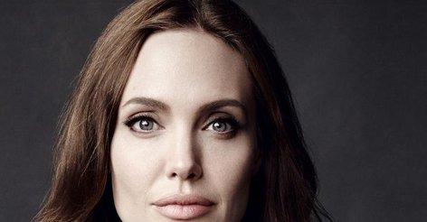 Анджелина Джоли показала своих детей на прогулке (фото ...