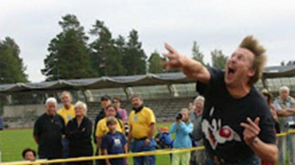 Финн метнул мобилку на 101,46 метра | podrobnosti.ua