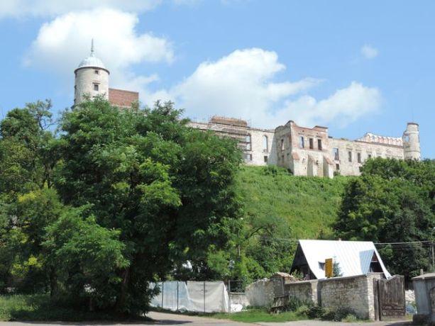 Janowiec zamek górujący nad miastem