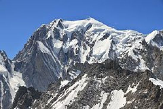 240px-Mont_Blanc_from_Punta_Helbronner,_2010_July
