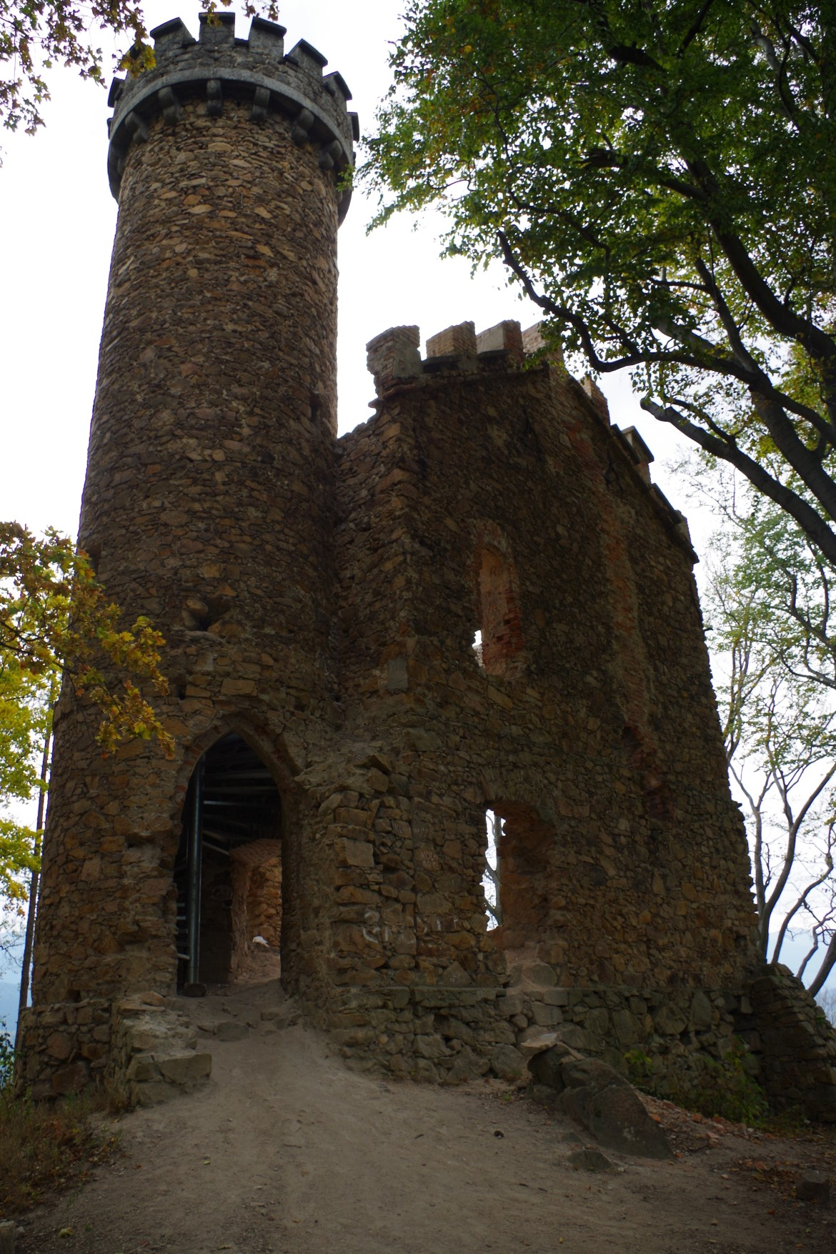 zamek Henryka; ruiny; Kotlina Jeleniogórska