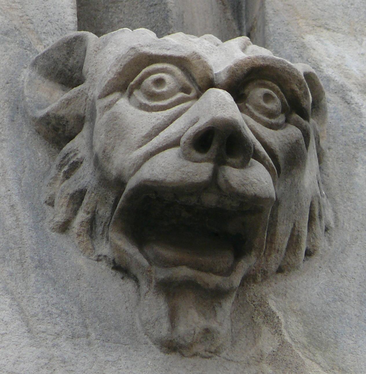 katedra fasada główna maszkaron