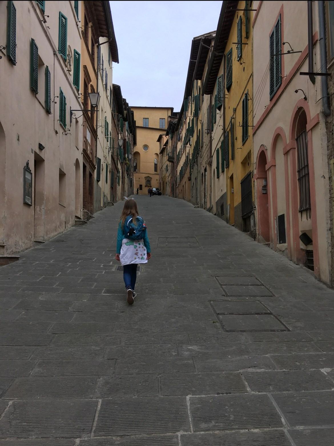 Siena spacer po mieście; toskania