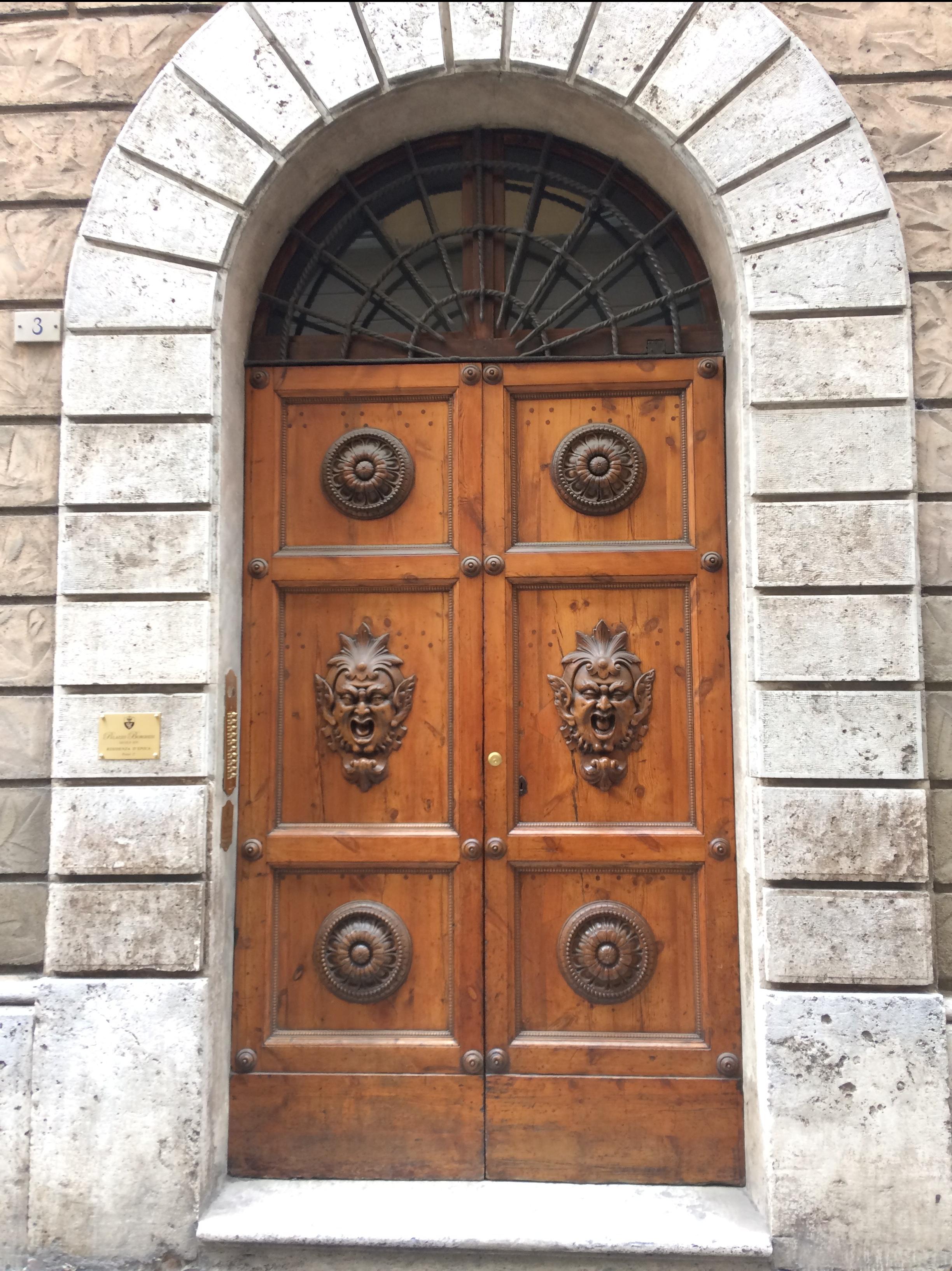 Siena; drzwi