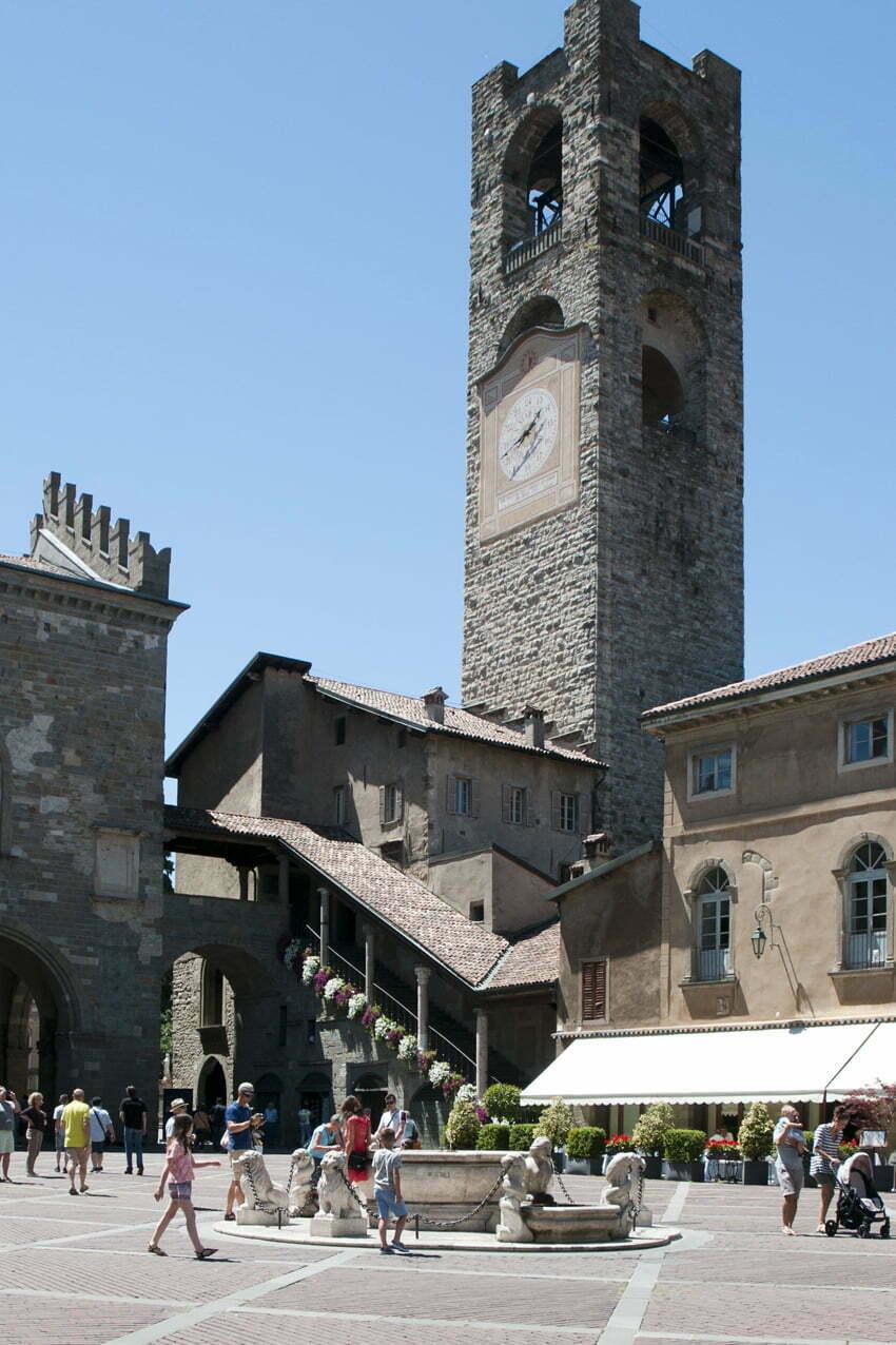 Campanone i Palazzo della Ragione w Bergamo