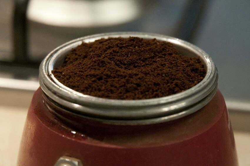 Parzenie kawy w kawiarce krok po kroku
