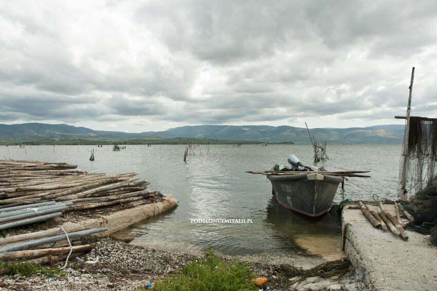 Lago di LesinaiLago di Varano - malownicze jeziora położone na Półwyspie Gargano
