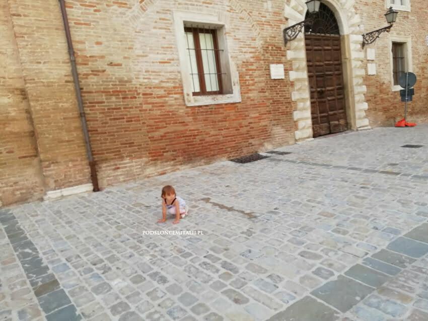 Jesi: miasto w krainie wina Verdicchio, gdzie stoi świątynia włoskiej muzyki klasycznej