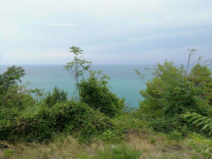 Półwysep Conero | Bajkowe plaże, czerwone wino i piękne szlaki