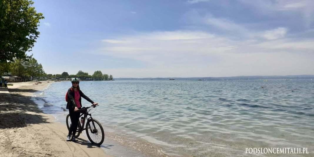 Rowerem z Peschiery do miejscowości Garda. Przepis na udany dzień