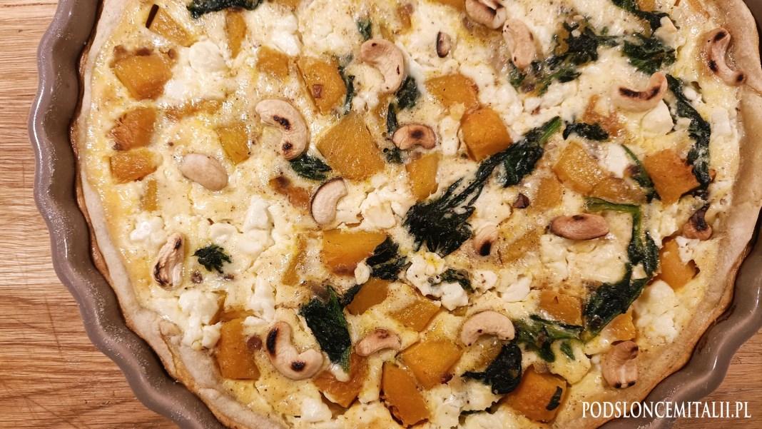 Barwy jesieni: quiche z dynią, szpinakiem, fetą i orzechami nerkowca