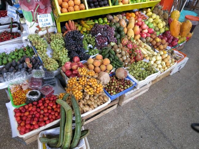 fruits at Lima mercado