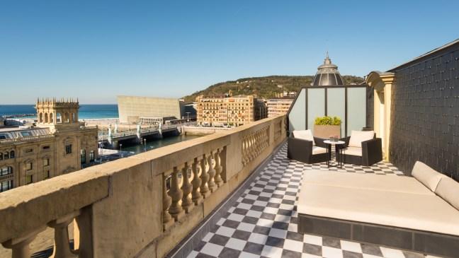 Suite_Terrace_Terrace_1600x900