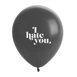 Eu te odeio.