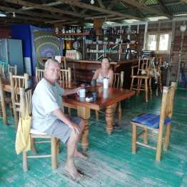 Sherrie y Mike nuestros anfitriones en Río Dulce