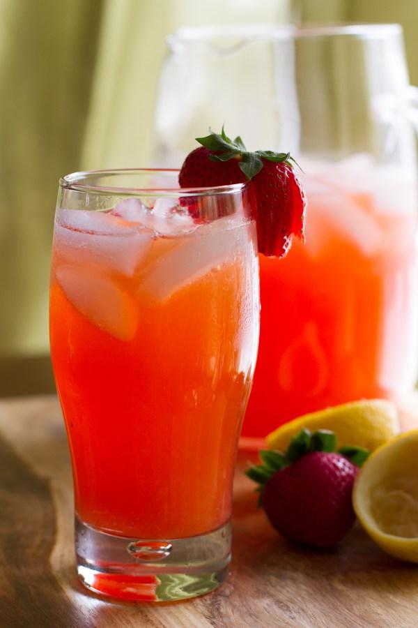 Strawberry Lemonade #SummerSoiree - poet in the pantry