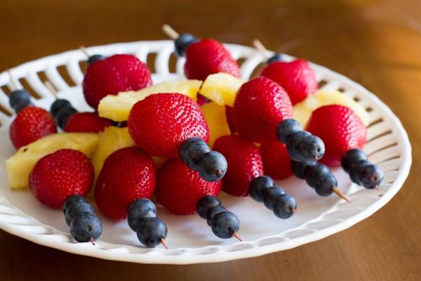 patriotic fruit kabobs - poet in the pantry