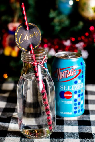 Vintage Seltzer makes for a great swap-in for other sugary drinks. With only carbonated water and natural flavors, it's satisfying without the guilt! #DrinkVintage #seltzer #sponsored