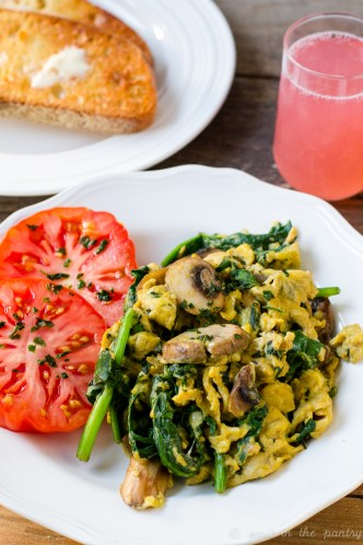 Cheesy Basil, Spinach, and Mushrooms Scrambled Eggs are the perfect way to start your day! {sponsored post}