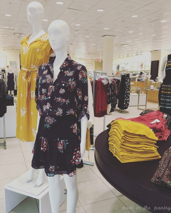 LOFT at the Shoppes at Farmington Valley is a great place to update your work wardrobe! {sponsored post}