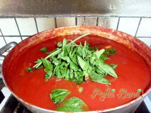 Sos-pentru-paste-pizza-pofta-buna-gina-bradea (1)