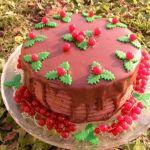 Tort Cesare cu ciocolata si smochine caramel