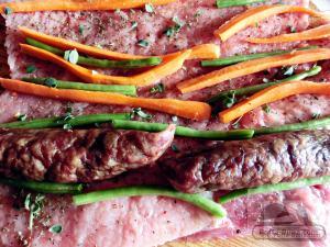 gina-bradea-pofta-buna-rulada-cotlet-cu-legume-si-carnat-afumat (1)