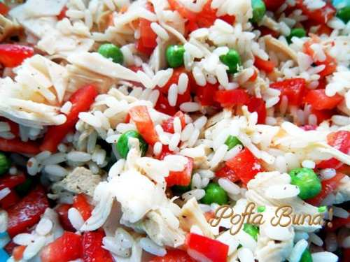 Salata de orez cu pui si legume