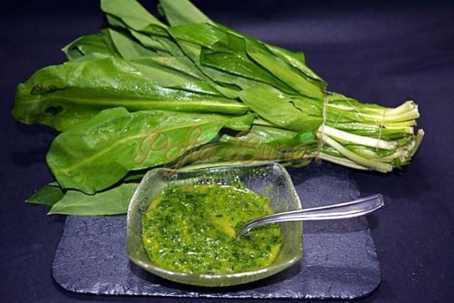 Sos de leurda sau usturoi verde