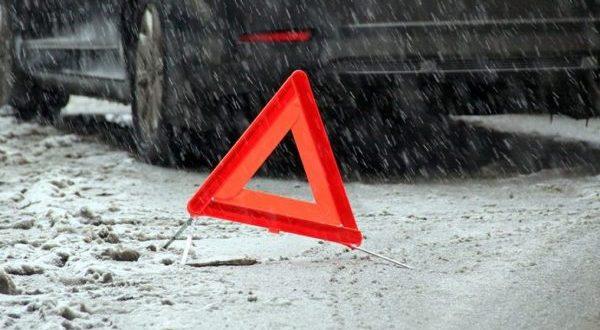 """Непогода в Алуште устроила """"кучу-малу"""" из автомобилей"""