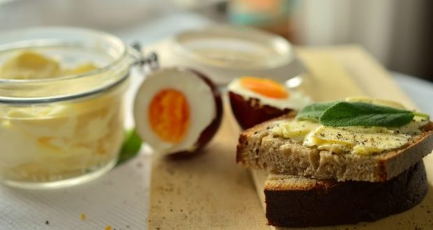12 декабря – День Парамона Зимоуказателя. Одолжите у соседей хлеб, яйца и масло