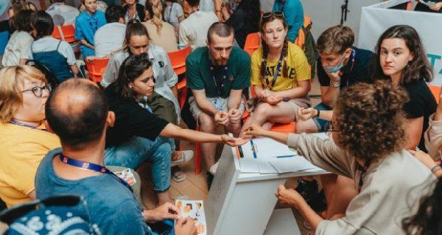 «Лавка навыков»! Молодые творцы на «Тавриде» ищут замену заимствованиям из английского