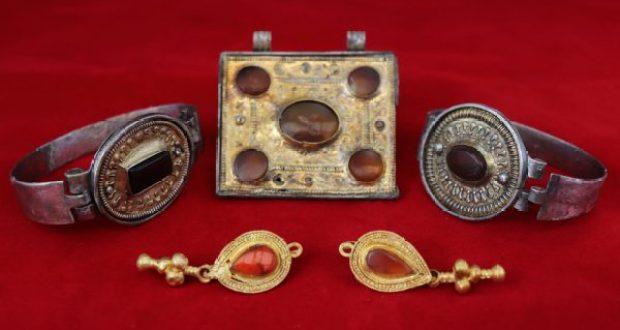 Археологи КФУ нашли коллекцию украшений знати и оружие воинов аланских племён